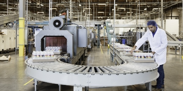 Industry-ClearCompany-Manufacturing-Solutions-Marquee-858863-edited.jpg